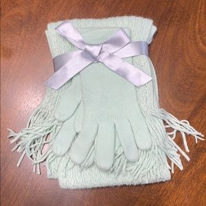New York & Co Super Soft Glove and Scarf Gift Set